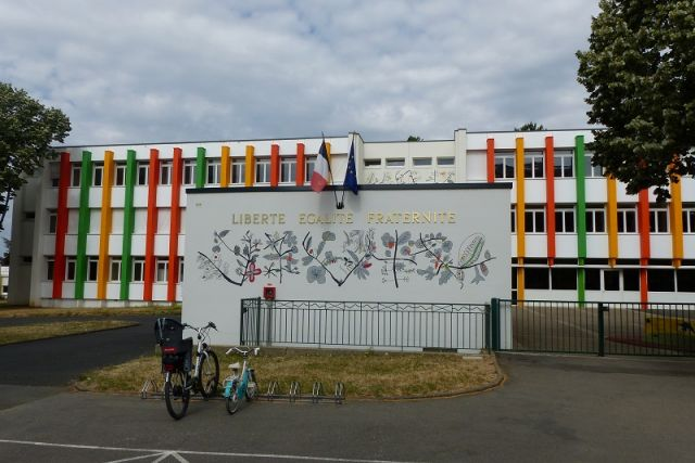 Ecole Charles Perrot